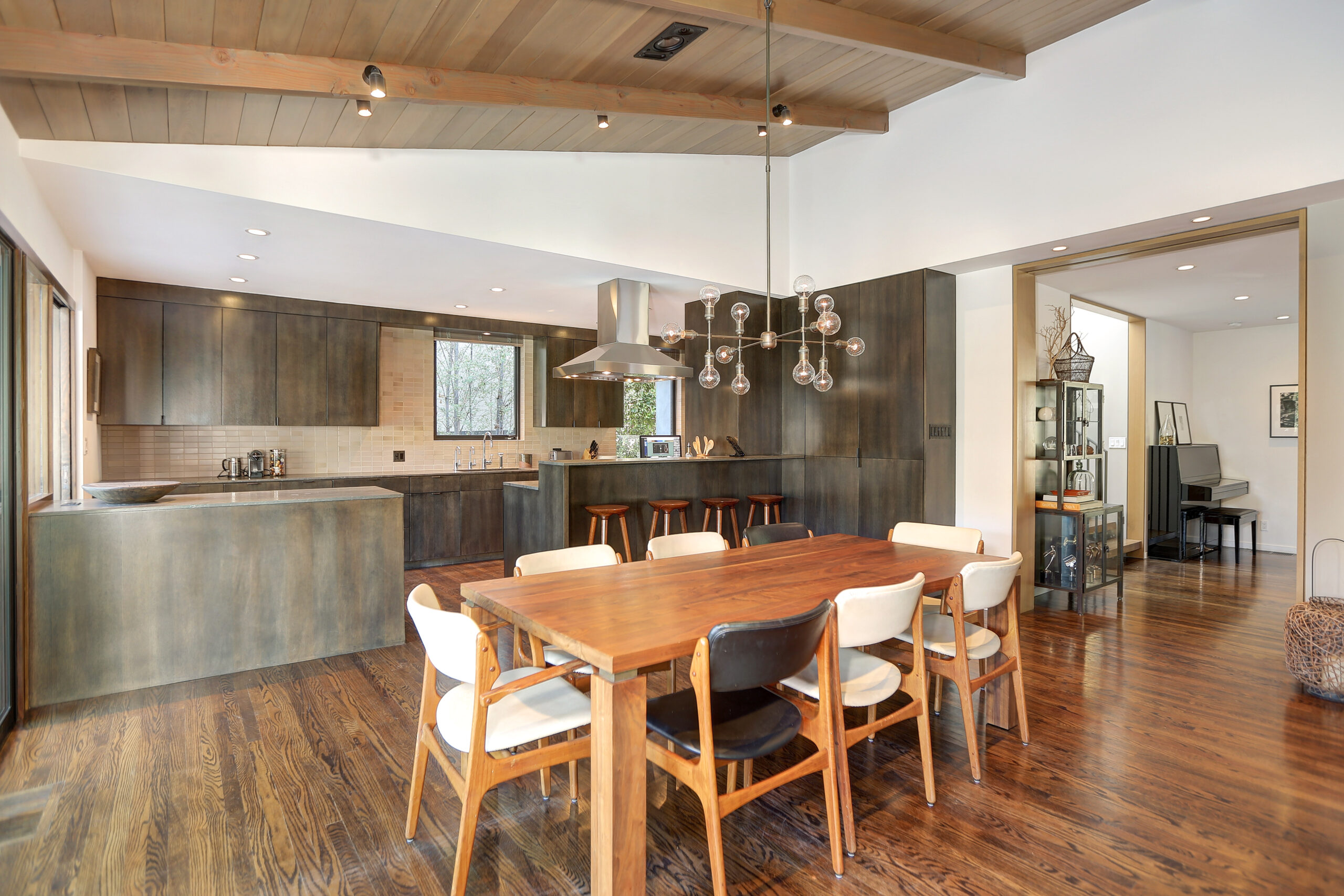 848 Greentree dining and kitchen design