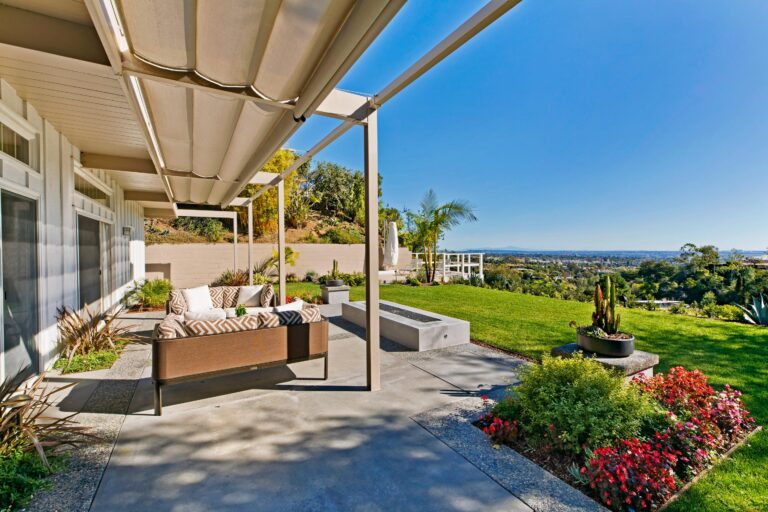 1056 Tellem exterior and view of los angeles